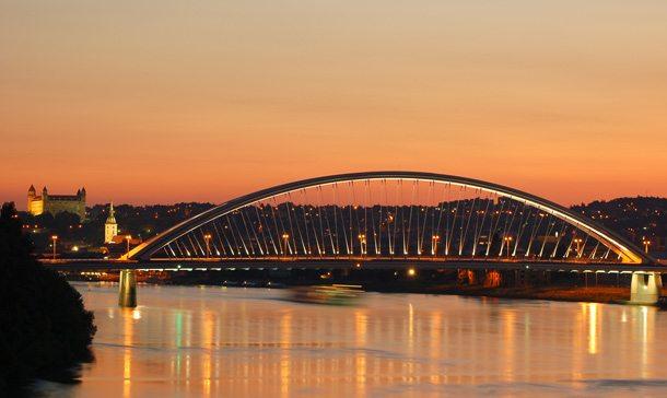 Bratislava_most_Apollo_Dominik_BugárWeb610x364pix