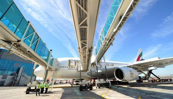 2013-01-02_Emirates-Erstflug-EK003-am-Concourse-AWeb610x348pix