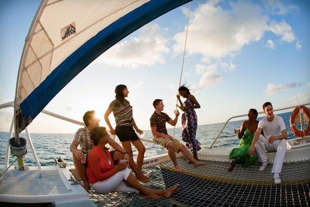 Karibik: Segeln mit Freunden und KollegenKaribikSegelnGruppe610x407