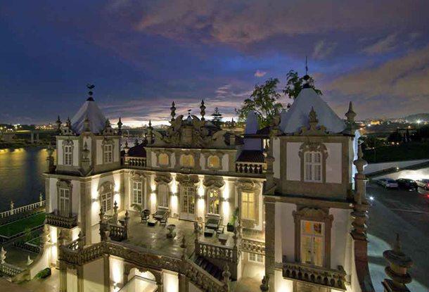 Eine der schönsten Pousadas steht in Porto (Foto: Freixo5@Keeshageman)