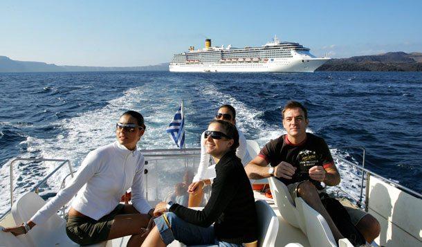 Kreuzfahrtschiff in der Ägäis