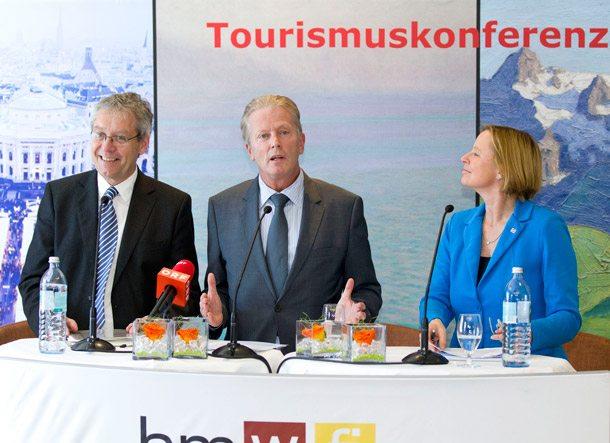 Rüssler Mitterlehner Stolba bei Tourismuskonferenz