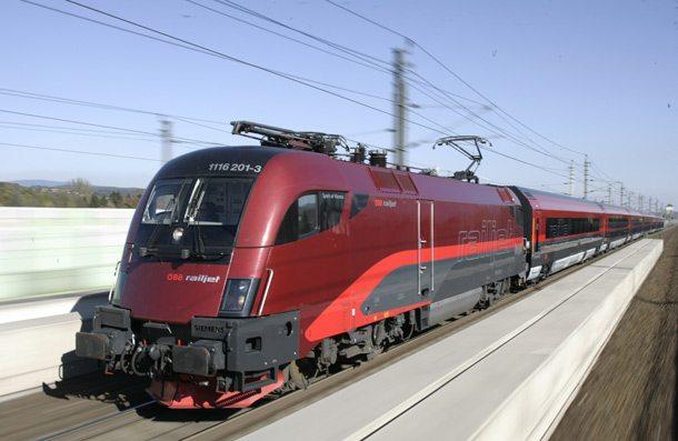 ÖBB railjet verbindet Wien und Prag