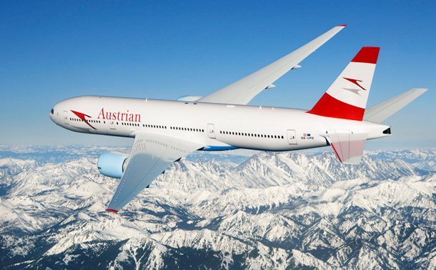 Austrian Airlines B777 überfliegt die Alpen