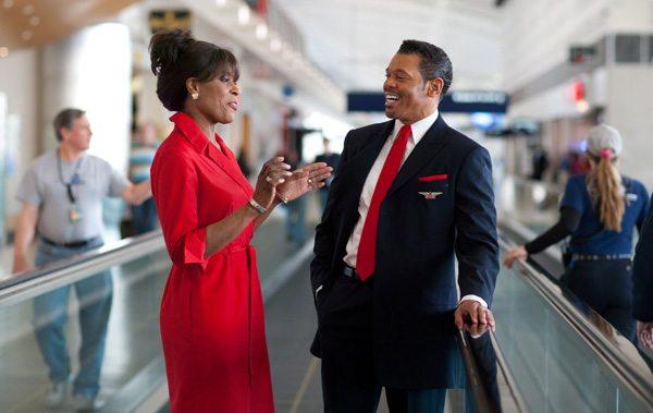 Delta Air-Lines Cabin-Crew am Flughafen