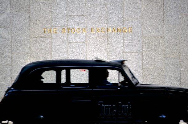 Londoner Taxi vor der Börse
