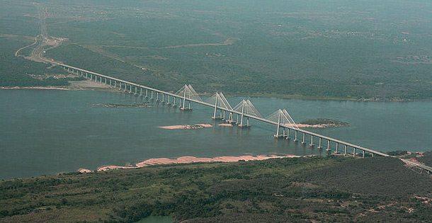 Brücke über den Orinoco