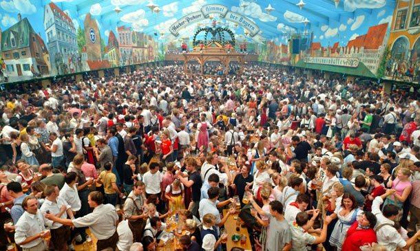 Oktoberfest auf der Wiesn in München