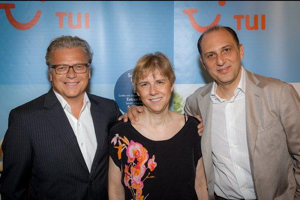 Dr. Klaus Pümpel, CEO TUI Austria Holding, Margit Ebner, Produktverantwortliche für die Marke TUI in Österreich und Sena Uzgören, COO TUI Austria Holding