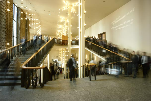 Köln: Treppenaufgang in der Festhalle Gürzenich