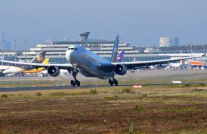 Am Himmel über Europa herrscht ein Wettkampf zwischen Billigfliegern und der Lufthansa