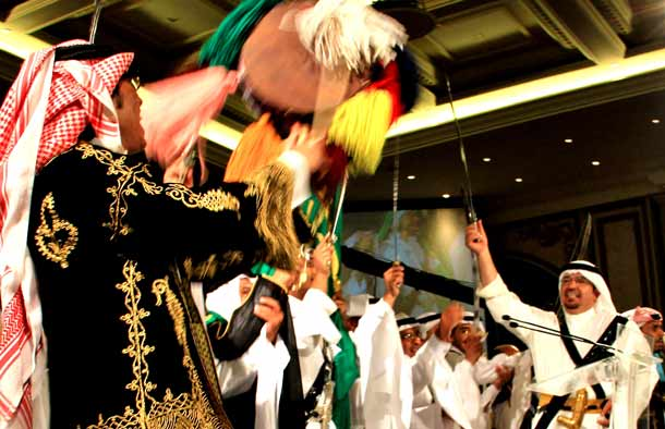 Saudi-Arabien_traditionelle-Taenze