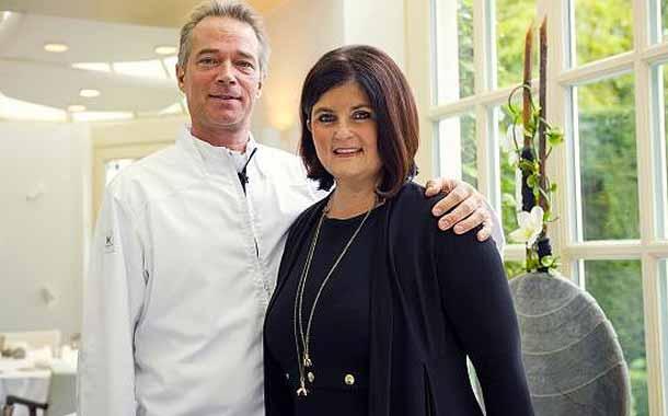 Chef Jannis Brevet mit seiner Frau im Restaurant Inter Scaldes