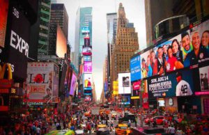 New York: Menschen am Times Sqare