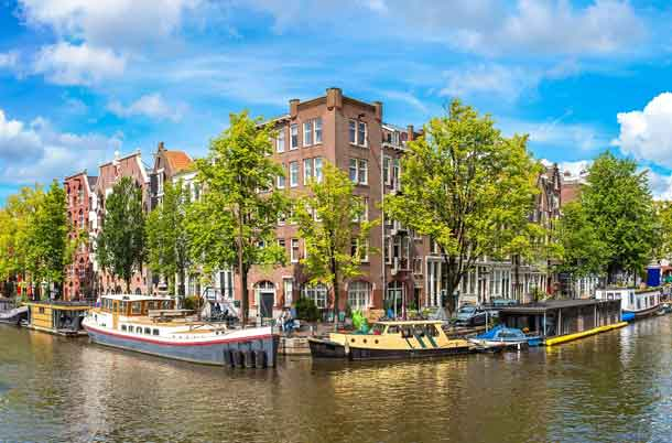 Amsterdam: Reiseziel für Geschäftsreisende und Touristen