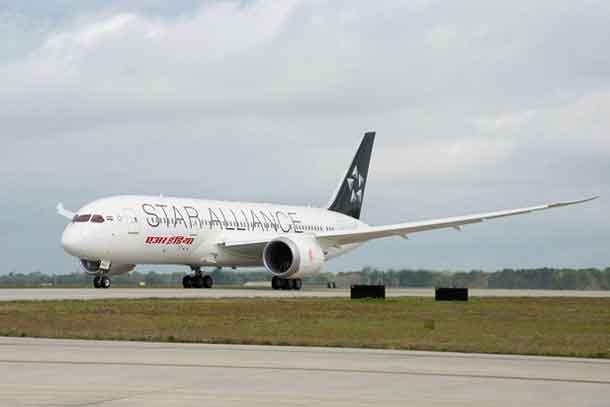 Dreamliner mit Star Alliance-Aufschrift Air India
