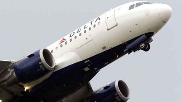 Delta Airbus A320 im Steigflug