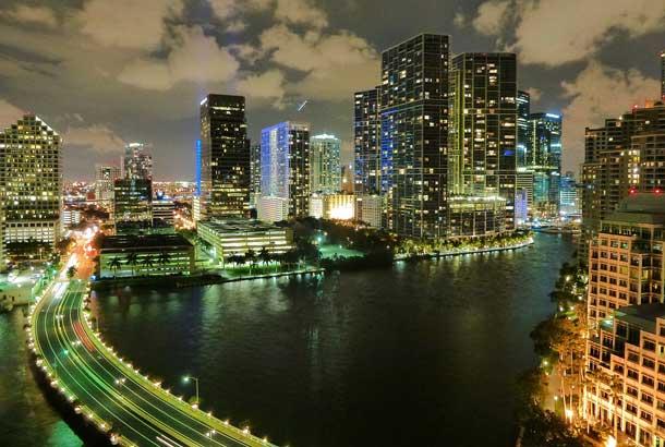 Florida: Miami bei Nacht