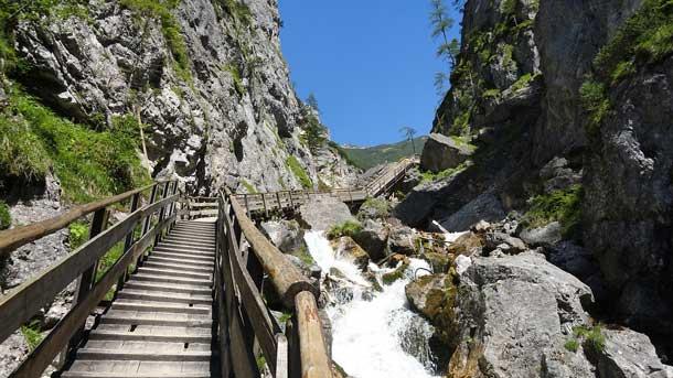 Take a walk on the wild side: Der Sommertourismus in Oberösterreich lockt immer mehr Einheimische an (Foto: Archiv)