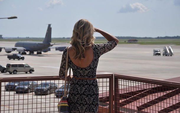 Flug verspätet, was jetzt tun? Geschäftstermin geplatzt, Hotelreservierung futsch. Wer zahlt eine Entschädigung – und wie viel und wann?