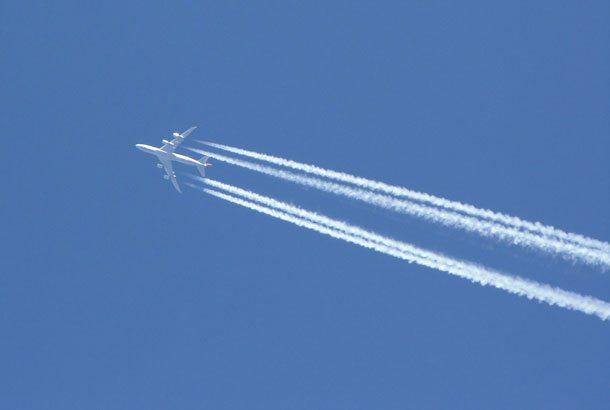 Wenn Urlauber auf Reisen gehen, haben sie selten Klimaschutz im Koffer: Fast zwei Drittel der deutschen Urlauber möchten wegen des Klimawandels nicht auf ihre Flugreise verzichten (Foto: Pixabay)