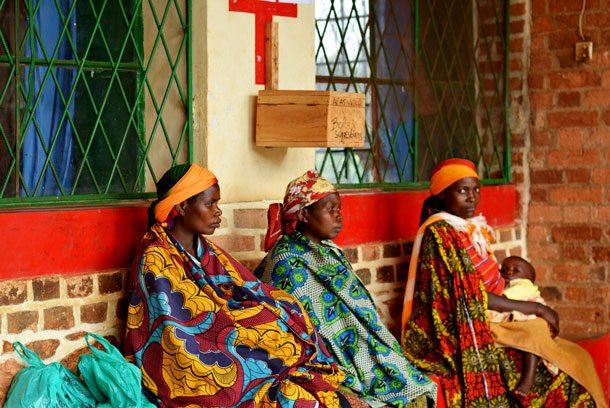 Das Gesundheitssystem in Afrika ist schwer angeschlagen. Es krankt an fehlender Versorgung mit Ärzten und Medikamenten, um Epidemien schon im Vorfeld im Keim zu ersticken bzw. nach Ausbruch in den Griff zu bekommen (Foto: Pixabay)