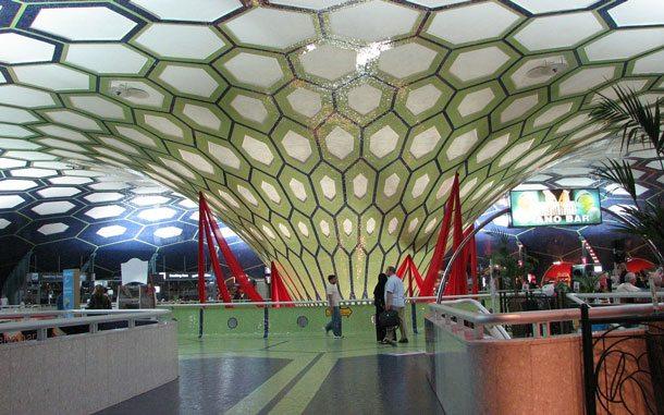 Der Internationale Airport von Abu Dhabi gehört zu den modernsten Flughäfen der Welt (Foto: Pixabay)