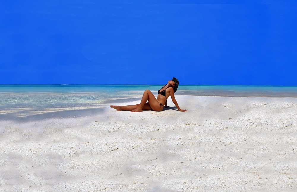 Malediven: Traumreise zu den Trauminseln mit den Traumstränden – blauer Himmel, türkisblaues Meer und weiße Sandstrände. Herz, was willst Du mehr? (Foto: Kevin Phillips, Pixabay)