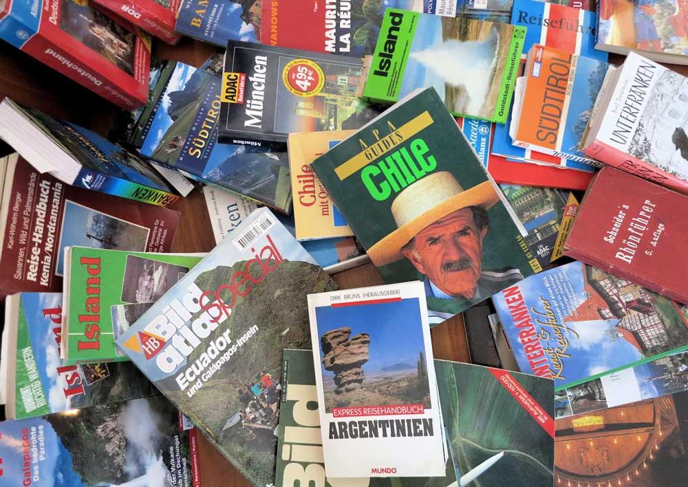 Reiseführer für jeden Geschmack und für jede Destination: Wer die Wahl hat, hat die Qual (Foto: Wiki Commons)