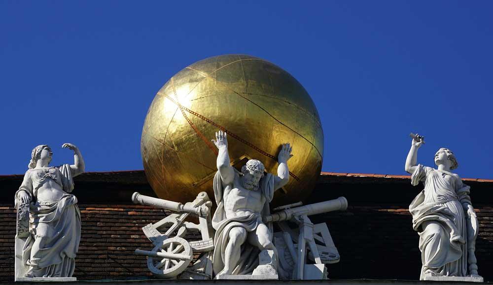 Wien bietet dem aufmerksamen Besucher viele faszinierende Perspektiven – etwa am Dach der Hofburg (Foto: Suju, Pixabay)