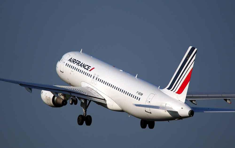 Der angekündigte Fluglotsenstreik in Frankreich wird zu zahlreichen Flugausfällen führen (Foto: Skeeze, Pixabay)