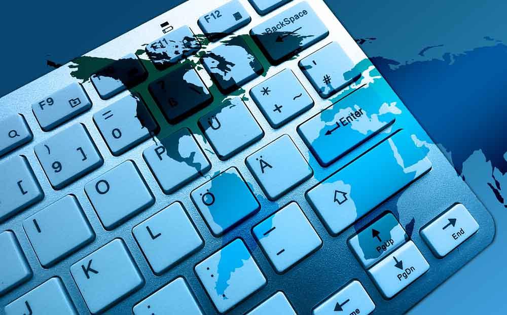 Laptop-Verbot auf gewissen Flügen aus dem Nahen Osten bei Einreise in die USA (Foto: Gerd Altmann, Pixabay)