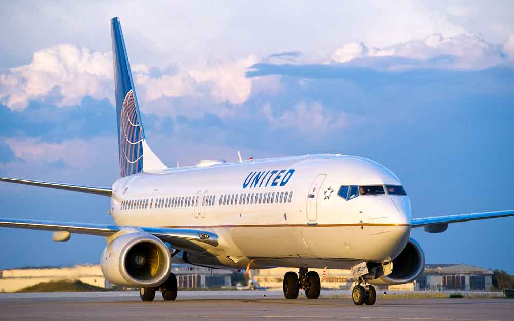 Auf dem Flug 3411 der United Airlines wurde ein gebuchter Passagier mit gewalt aus dem Flugzeu gezerrt, um platz für ein Crew-Mitglied zu schaffen (Foto: United)