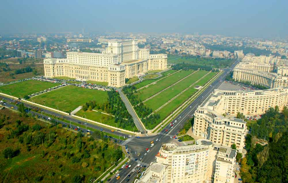 Bukarest: Der Parlamentspalast (Palatul Parlamentului) – ein Architekturklotz aus der Ära des Dikators Nicolae Ceausescu
