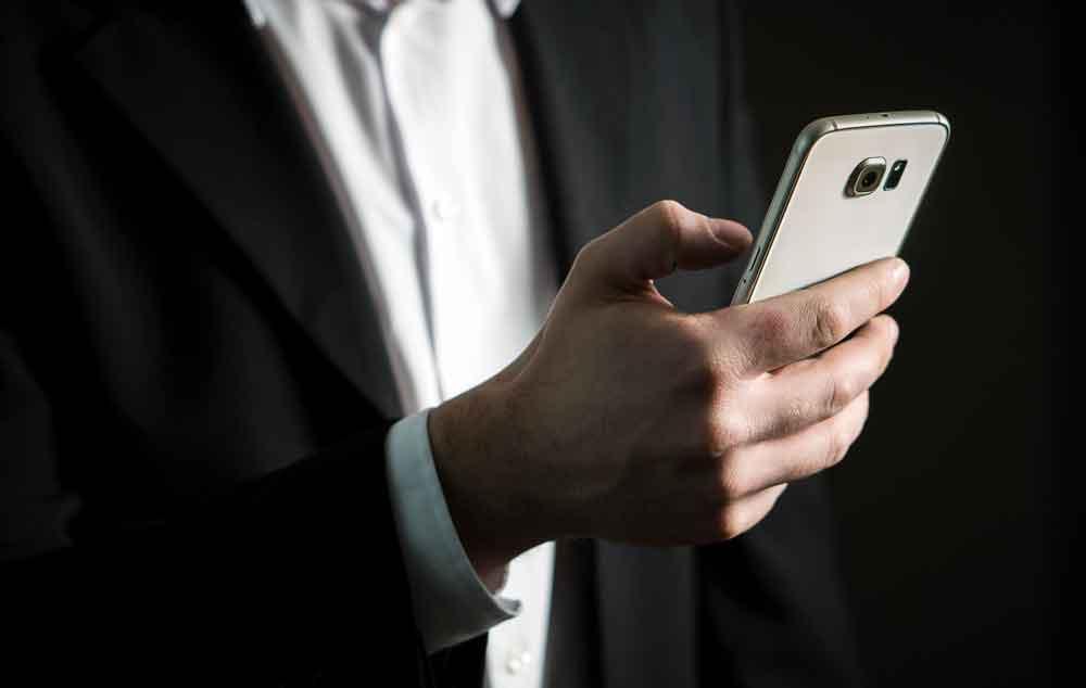 Das Smartphone wird in Zukunft für Geschäftsreisende noch wichtiger (Foto: Pixabay)