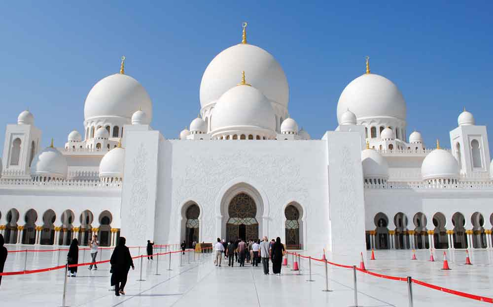 Weiße Moschee in Abu DhabiWeiße Moschee in Abu Dhabi ist eins der Highlights, wenn die International Travel Week Abu Dhabi (ITW) stattfindet (Foto: Pixabay, Nici)