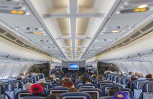 Je kleiner der Sitzabstand, desto größer die Auslastung und der Profit der Airline (Foto: Ty Yang, Pixabay)