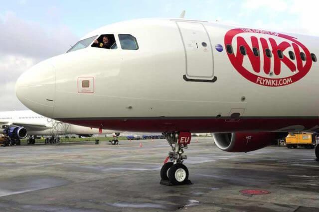 Lufthansa lässt Niki sterben: Jet steht auf dem Flughafen