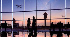 Niki: Passagiere warten auf Abflug