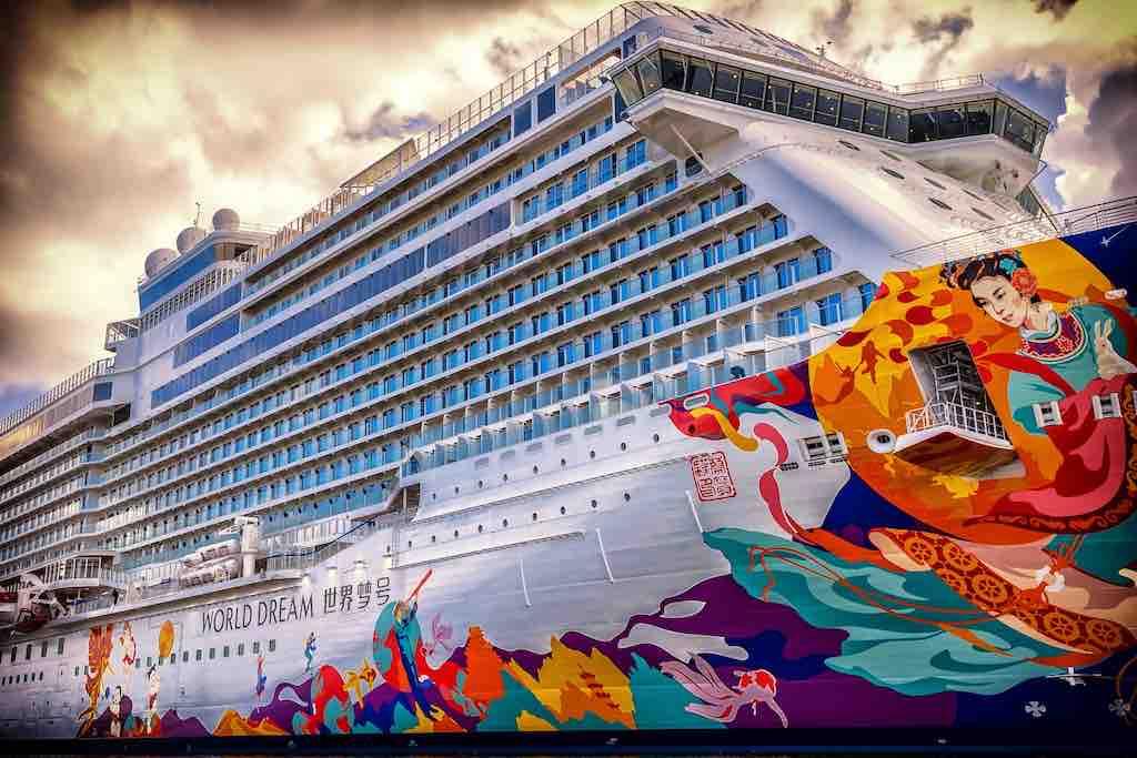 Massentourismus: Kreuzfahrtschaiffe als schwimmende Hotels