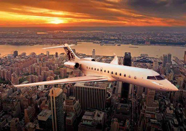 Luxusreisen mit Privatjet von Qatar Airways im Landeanflug