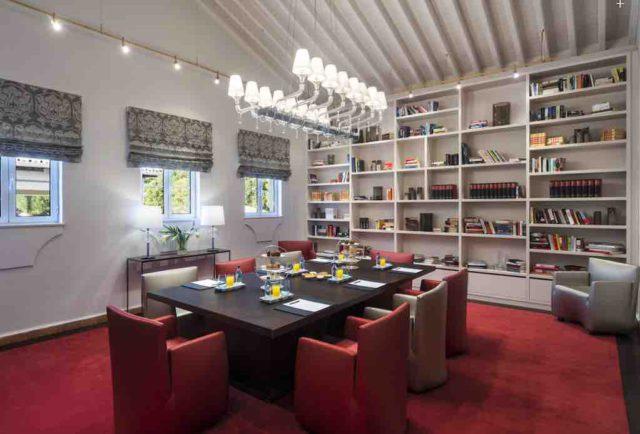 Tagungen in der Bibliothek des Resorts Vila Vita Parc