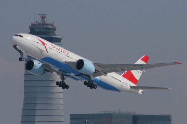 Austrian Airlines-Flugzeug beim Abflug von Wien