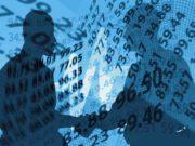 Travel Management Companies: Zwei Männer mit Zahlenhintergrund
