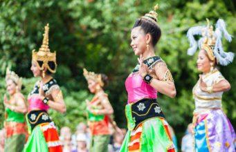 Thailand Festival in Bad Homburg: Thai-Tänzerinnen treten auf