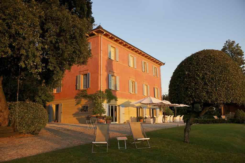 Das Fontelunga Hotel & Villas liegt inmitten ruhiger Hügel und Olivenhainen in der Toskana