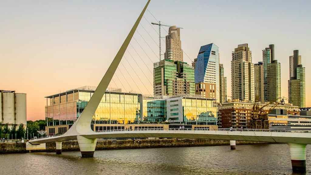 Das Finanzviertel Puerto Madero in Buenos Aires ist Sitz vielen internationaler Unternehmen und Start-ups (Foto: Pixabay)