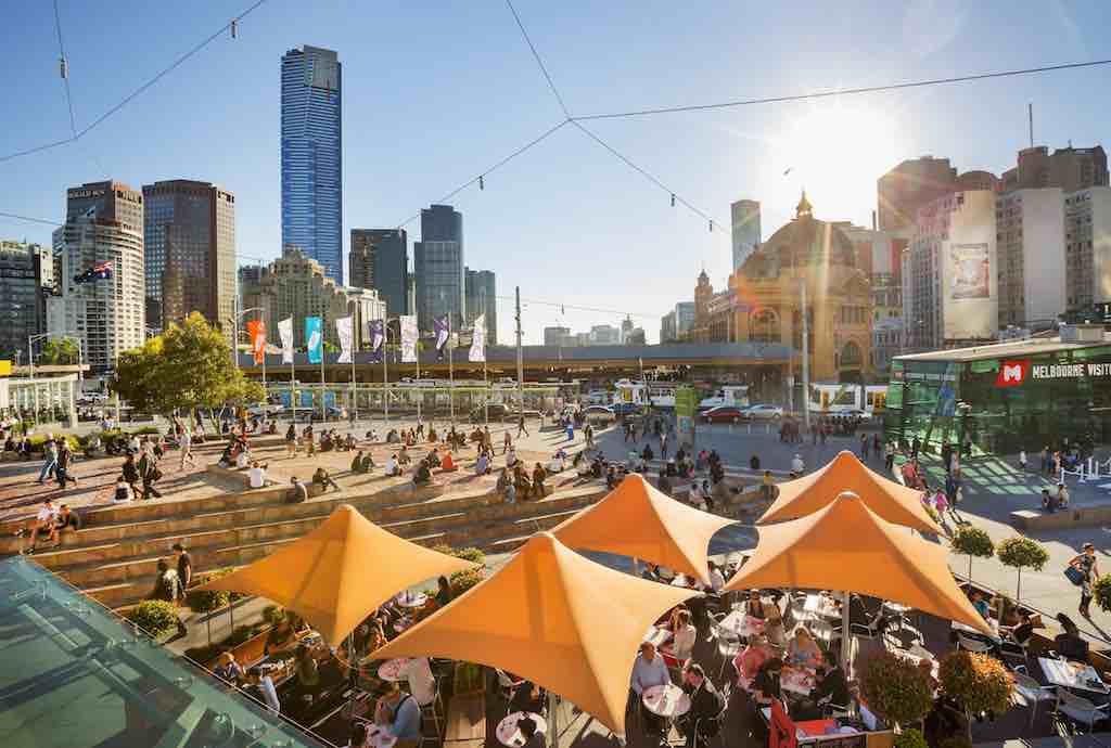 Melbourne Federation Square: Wo das Leben rund um die Uhr pulsiert (Foto: Roberto Seba)