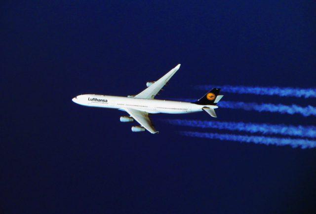 Mit dem Airbus A340 der Lufthansa geht es nonstop nach Dschidda und Addis Abeba (Hady Khandani Lufthansa)