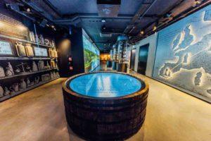 Ausstellungssaal im Wodka Museum in Warschau